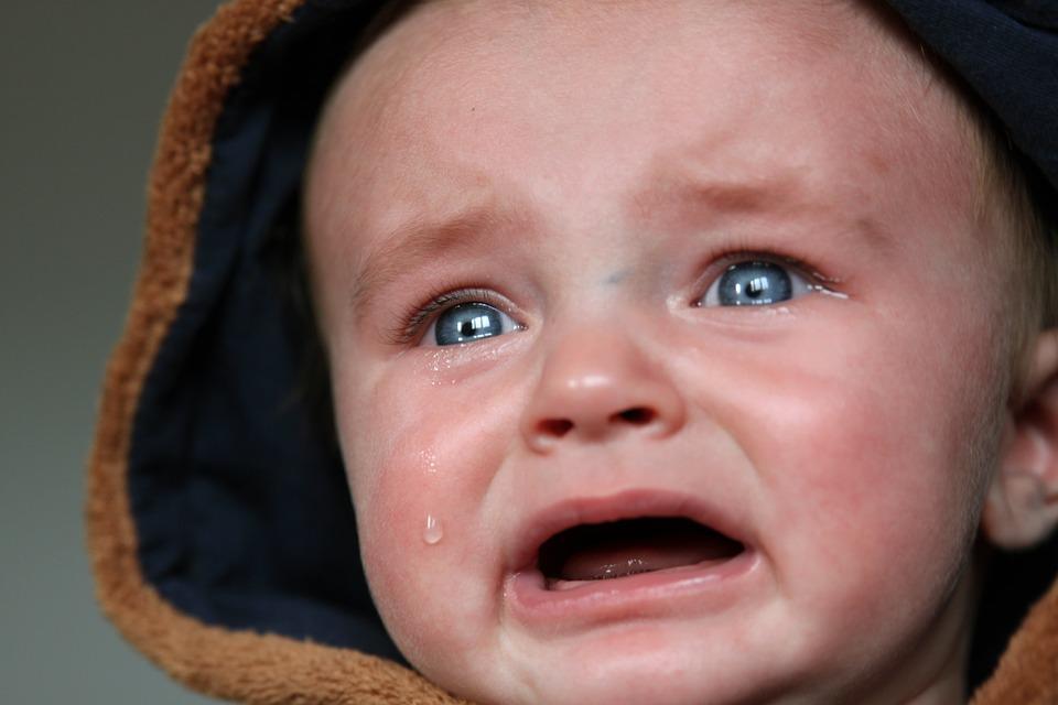 صور دموع اطفال حزينة صور أطفال تبكي دموع